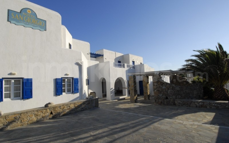 san giorgio hotel photos sleep in mykonos mykonos. Black Bedroom Furniture Sets. Home Design Ideas