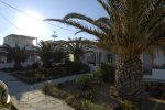 Golden Beach Studios - Mykonos Rooms & Apartments with a restaurant